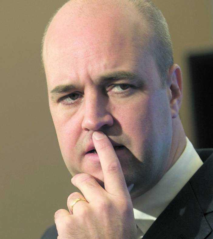 Fredrik Reinfeldt har inte kommenterat det påstådda sexköpet.