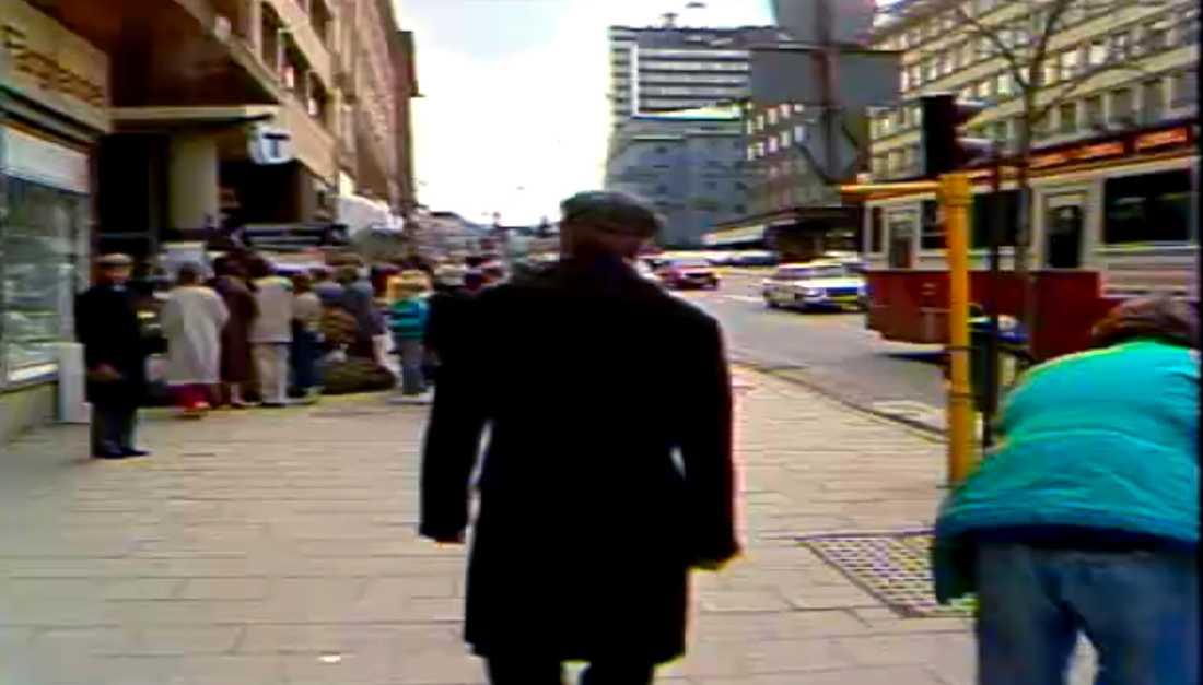 Pensionerade Palmespanare har förhörts om Skandiamannen.