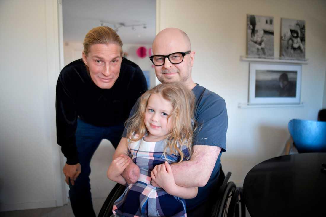 """Kalle Pellinen ihop med Henrik """"Hempa"""" Posse och hans dotter Mireya, som snart fyller fyra år."""