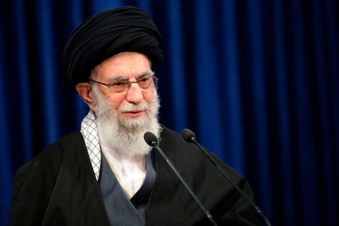 Irans högsta andliga ledare, ayatolla Ali Khamenei, har fått ett av sina konton på Twitter avstängt. Arkivbild.