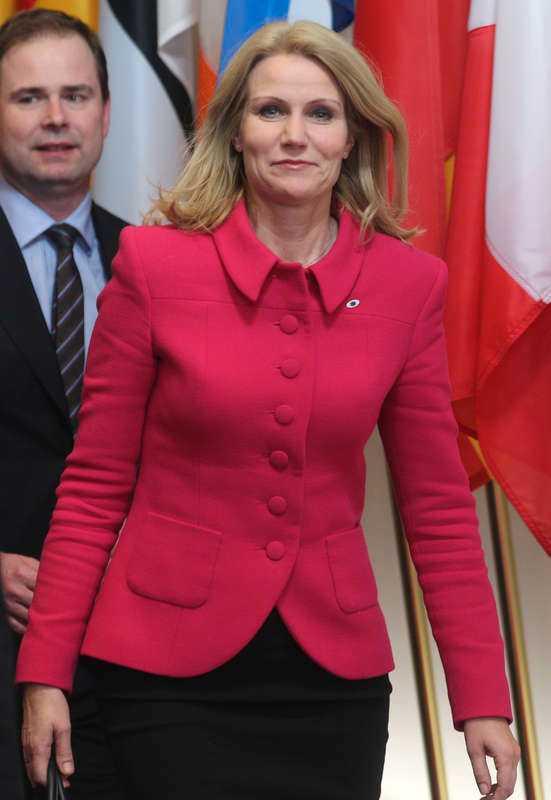 S-orforanden i Danmark Helle Thorning- Schmidt tog partivänner i örat.