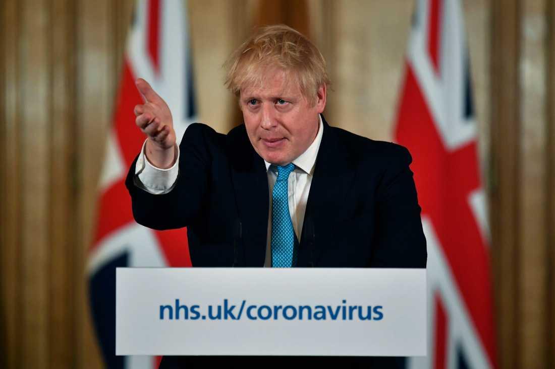 Storbritanniens premiärminister Boris Johnson vill tro att coronavirusets spridning kan ha minskats om tolv veckor.