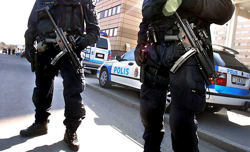 knackar inte Galenskapen härjar i Sverige efter att vi tvingades med i kriget mot terrorismen på USA:s sida, skriver Jan Guillou. Bilden är tagen vid ett tidigare tillfälle.