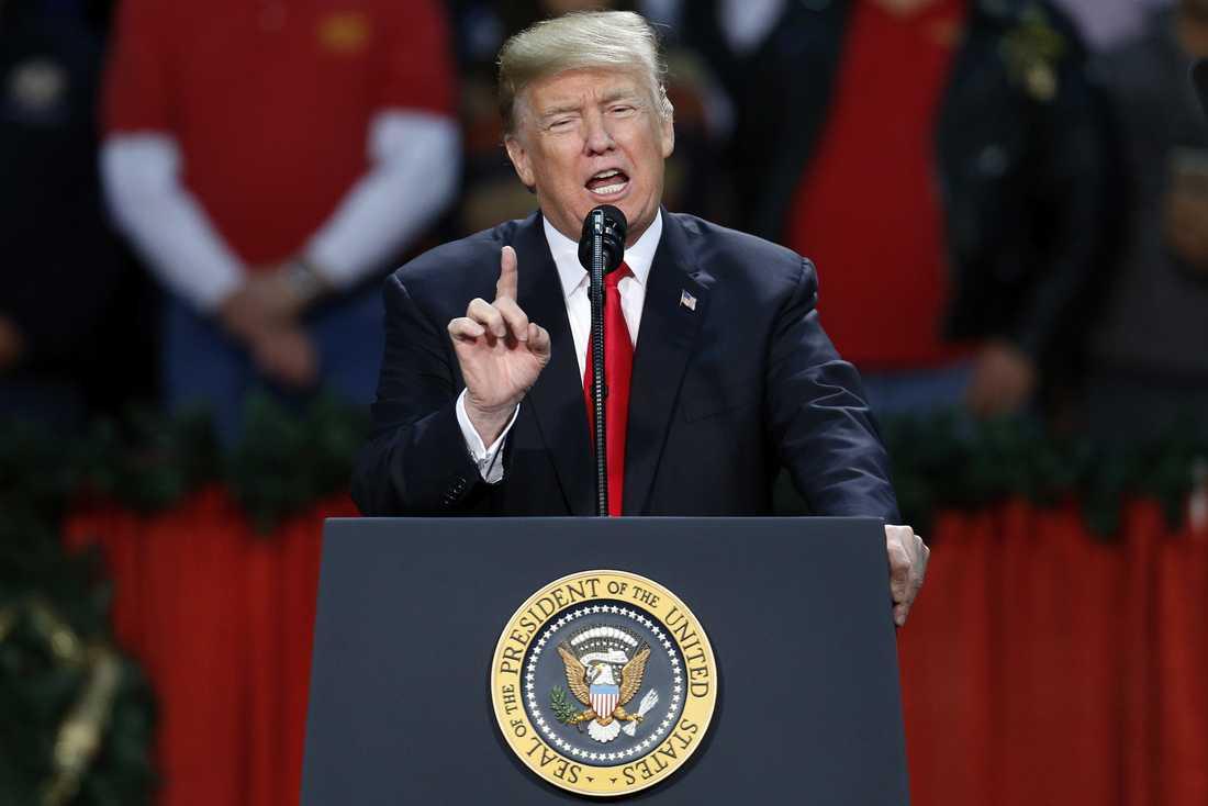 President Donald Trump är för förslaget.
