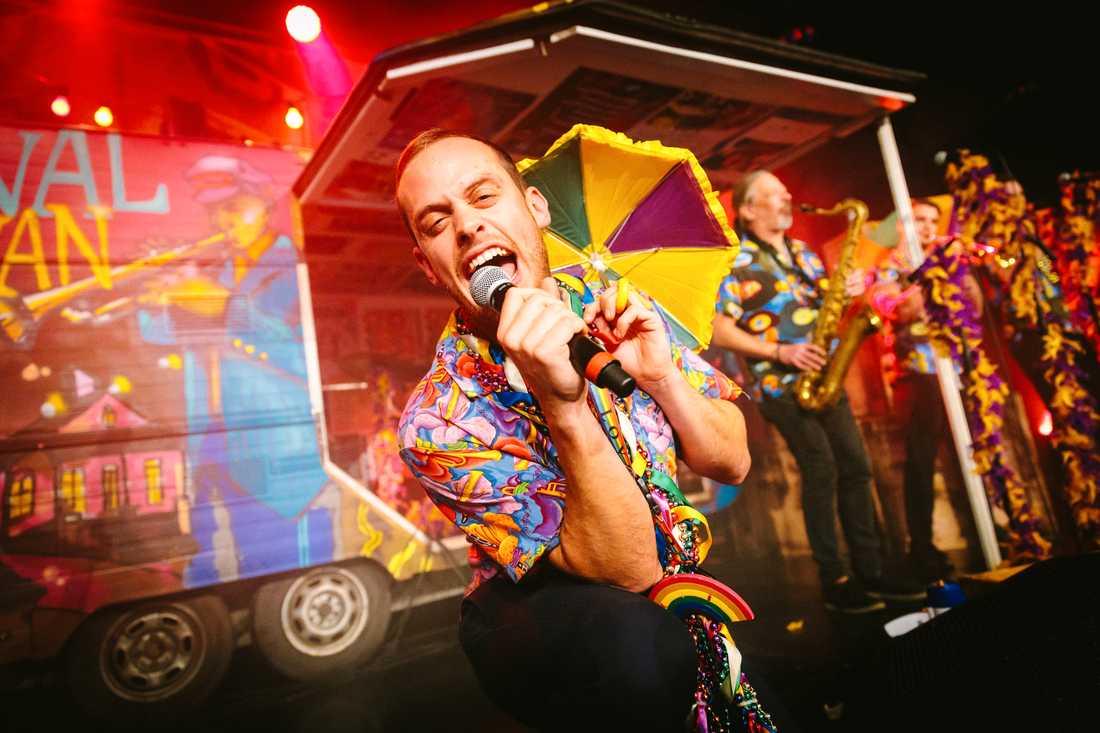 Glädjeorkestern Louisiana Avenue, med sångaren Pär Stenhammar i spetsen, tog initiativ till en interaktiv livekonsert från Cirkus i Stockholm. Pressbild.