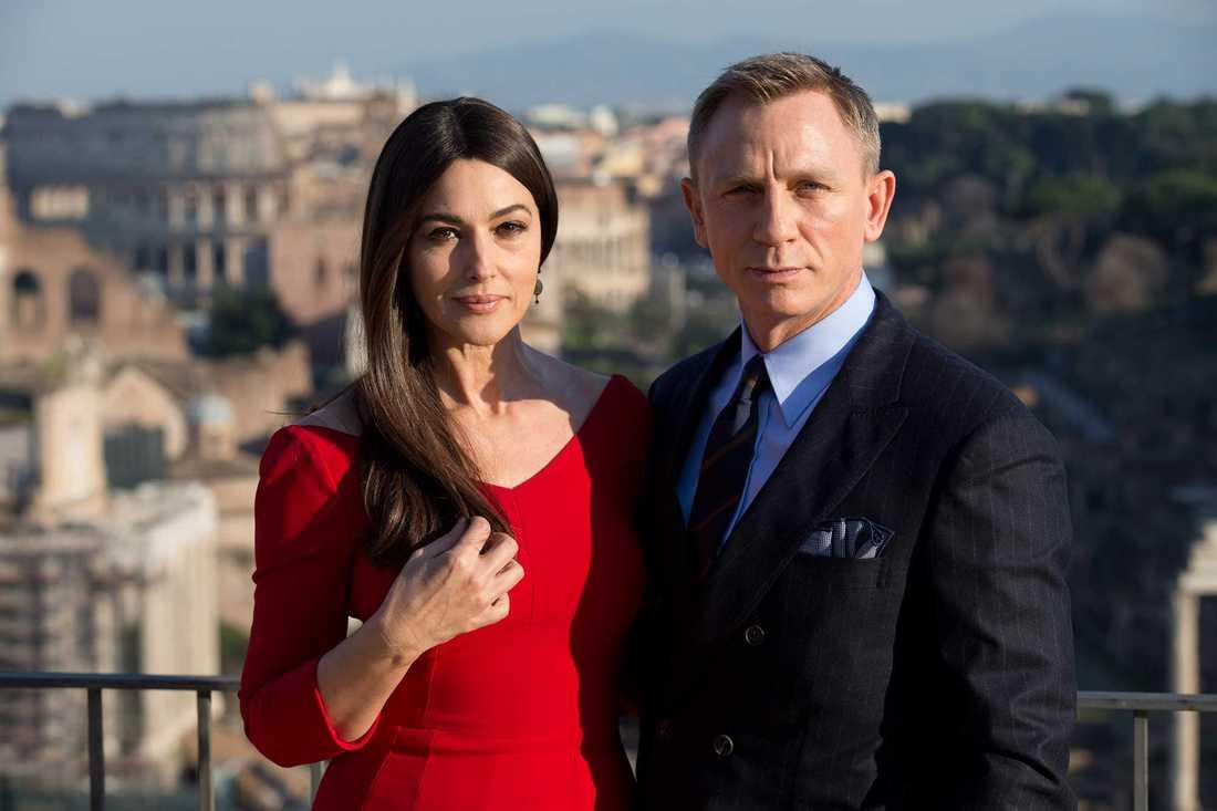 """Monica Bellucci, 51, spelar mot Daniel Craig i """"Spectre""""."""