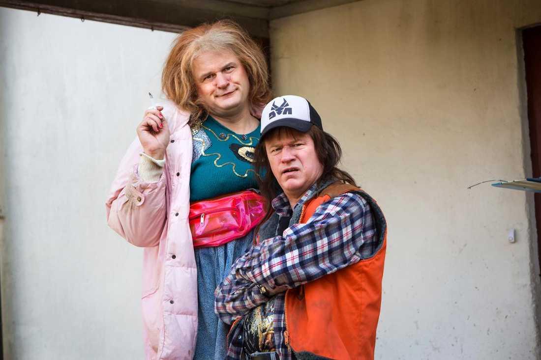 Johan Rheborg och Robert Gustafsson spelar mamma Morran och sonen Tobias