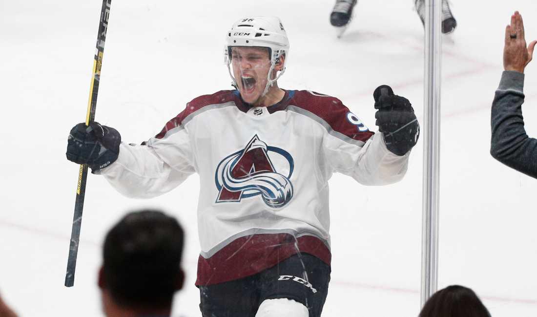 Mikko Rantanen öser in mål i NHL