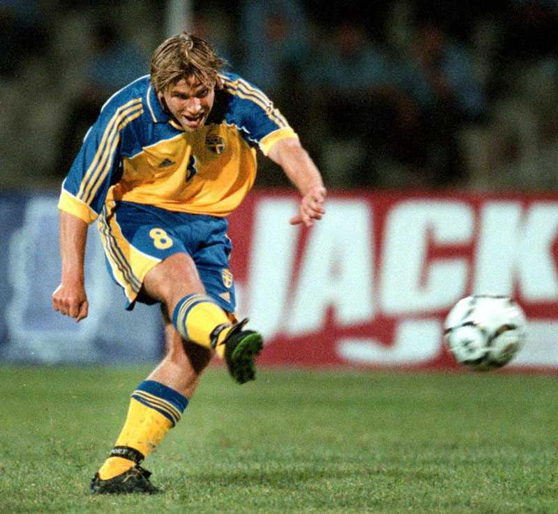 September 2000: Anders Svensson gör sitt första landslagsmål i VM-kvalet borta mot Azerbajdzjan.