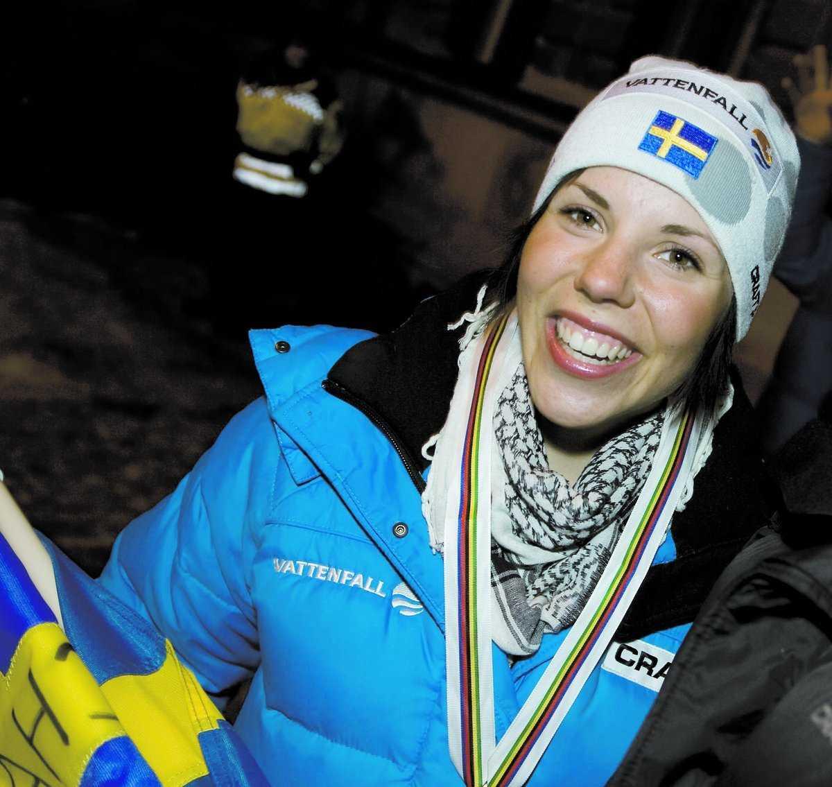 Favorit Charlotte Kallas avslutning i stafetten var lysande, och nu är siktet inställt på morgondagens tremil, där hon är en av de stora guldfavoriterna.