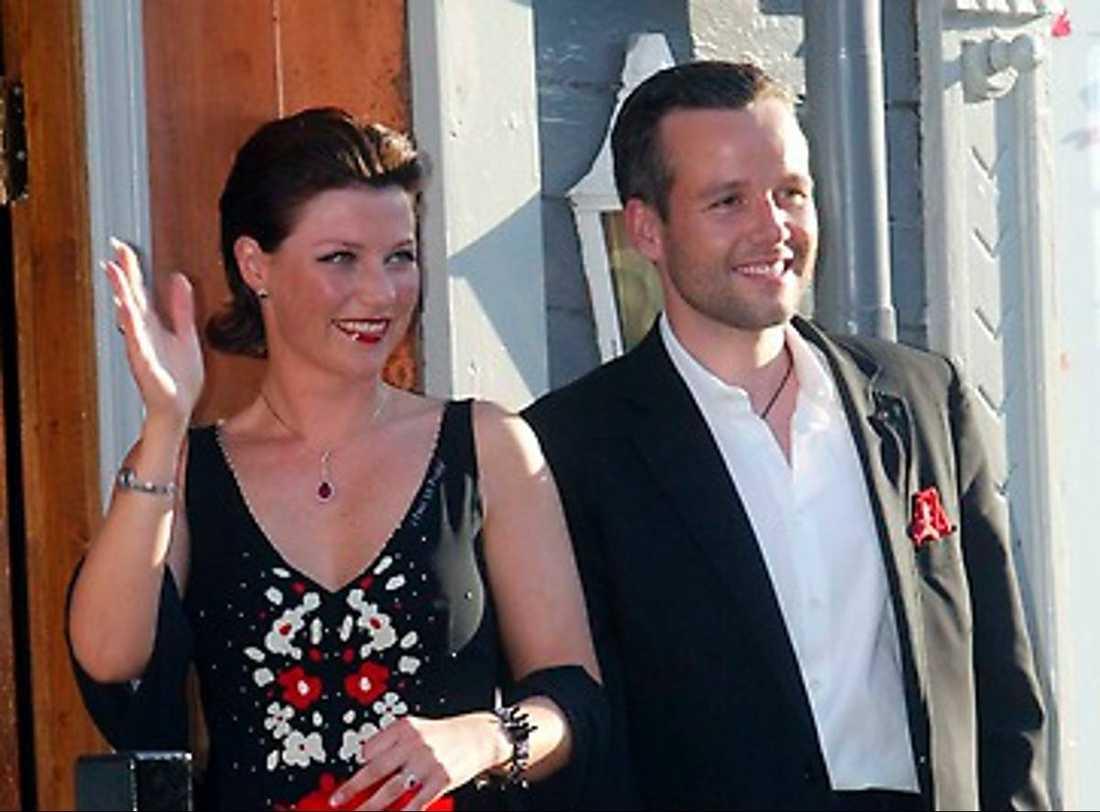 Norska prinsessan Märtha Louise och Ari Behn: Efter bröllopet åkte de till ett av världens dyraste hotell i Dubai. Sedan tog de sig vidare till ett hemligt resmål i Stilla havet.