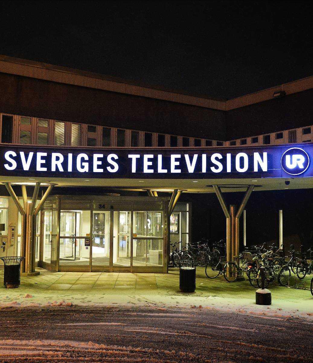Kränkte SVT-profilen 35-åringen, har hatat och hånat SVT:s programledare Sannah Salameh i en Flashbacktråd med över 400 inlägg. I dag ångrar han sig djupt och vill be henne om ursäkt via Aftonbladet.