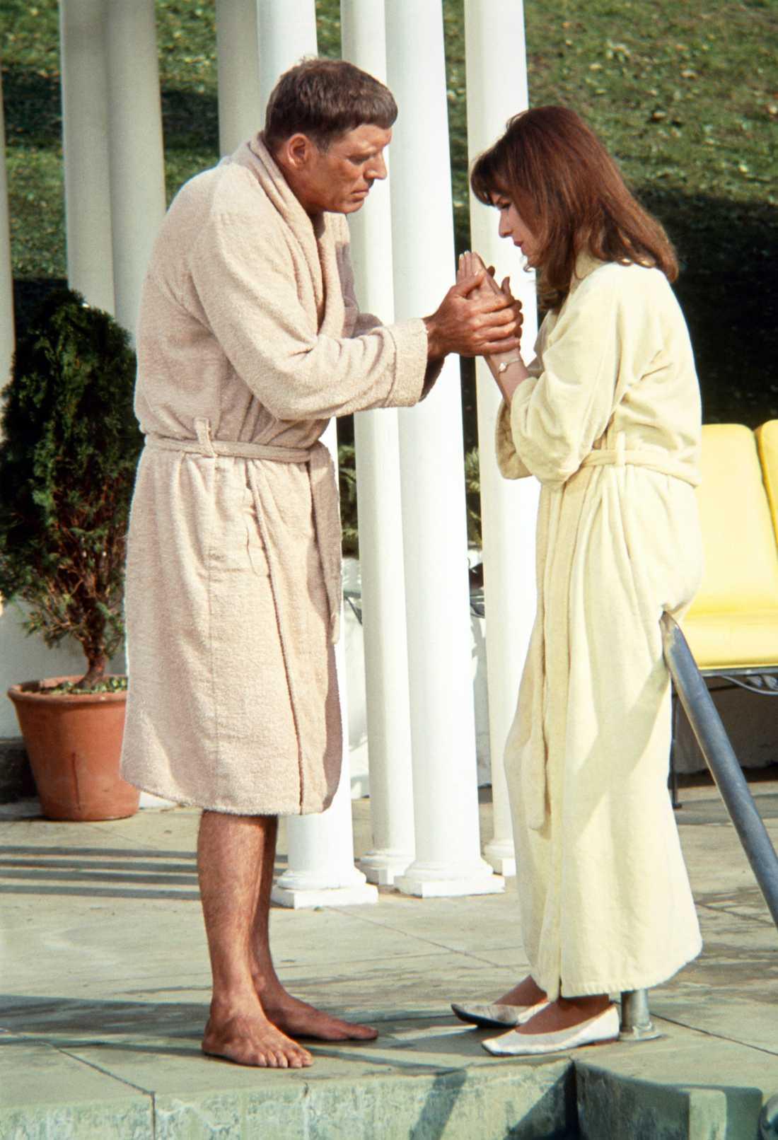 """Burt Lancaster och Janice Rule i """"The swimmer"""" från 1968."""