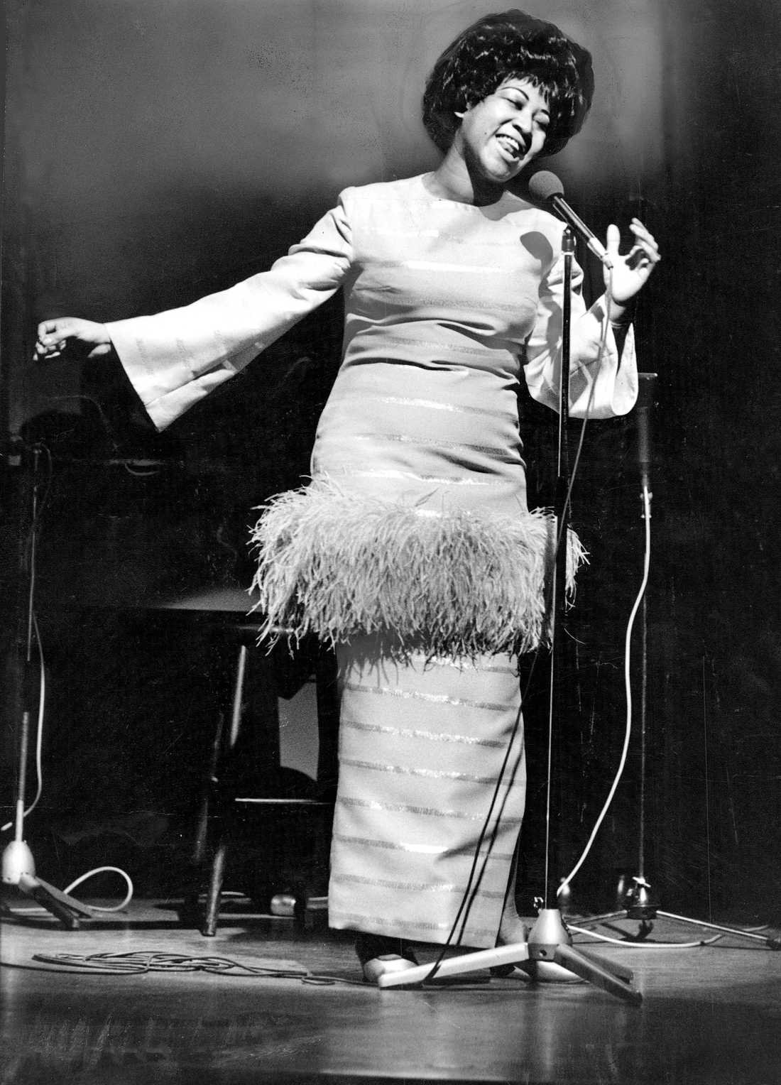 Aretha Franklin uppträder på Berns i Stockholm 9 maj 1968.
