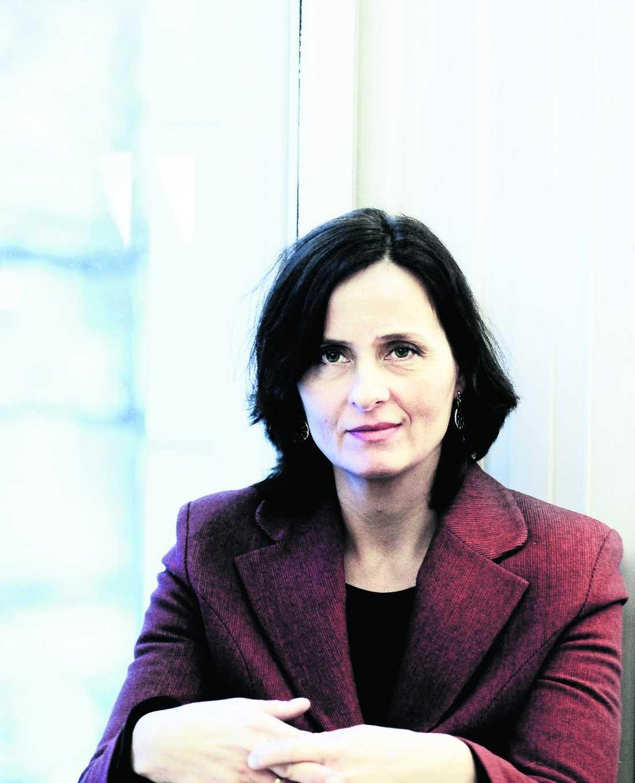 """Susanna Alakoskis nya roman """"Håpas du trifs bra i fengelset"""" har orsakat en debatt om kritiken av svensk arbetarlitteratur."""