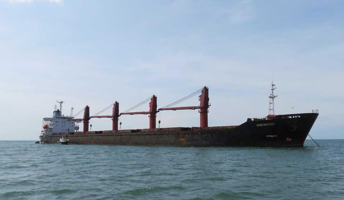 Odaterat foto av det nordkoreanska fraktfartyget Wise Honest.