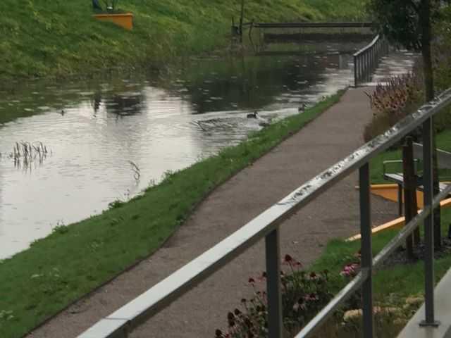 I Linköping svämmade ån i Vallastaden över.