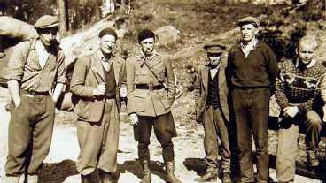 Allan, längst till höger, som soldat i Norge.