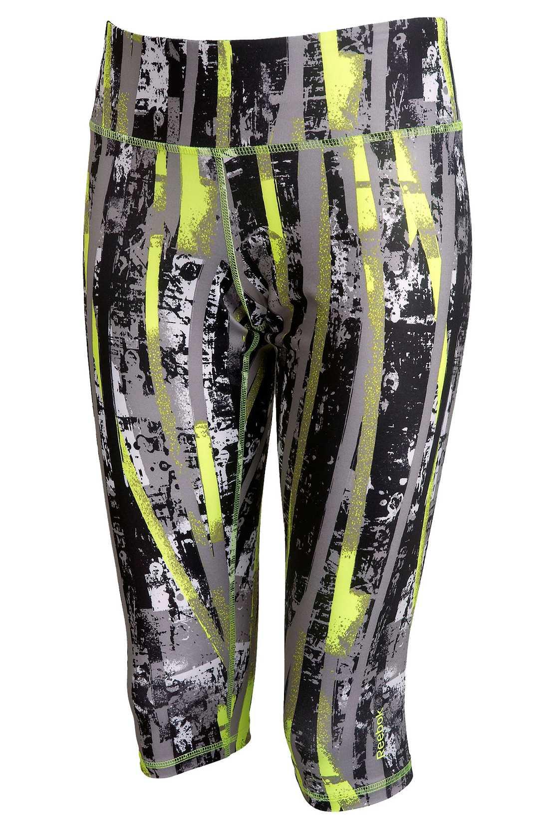 Klä dig i capribyxor och kör extra hårt på gymmet! Reeboks funktionstights transporterar bort fukten från huden. Pris: 399 kronor.