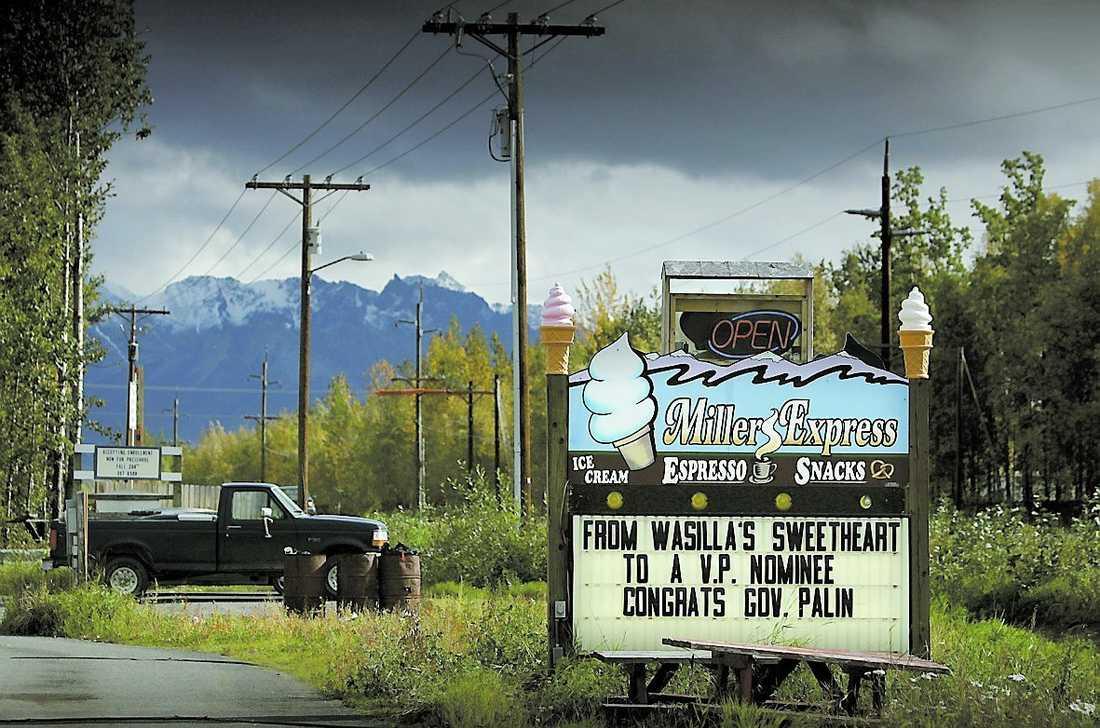 Wasilla har inte glömt att Palin vann den lokala skönhetstävlingen för 25 år sedan – och blev trea i Miss Alaska.