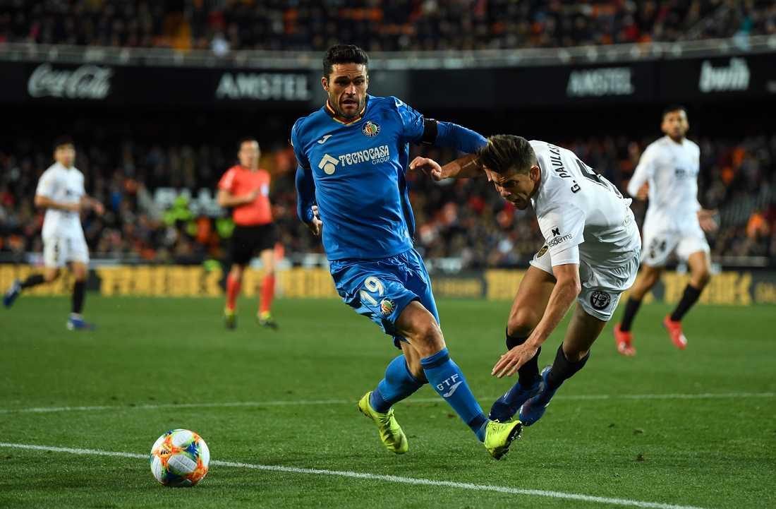 Molina i duell med Valencias Gabriel Paulista