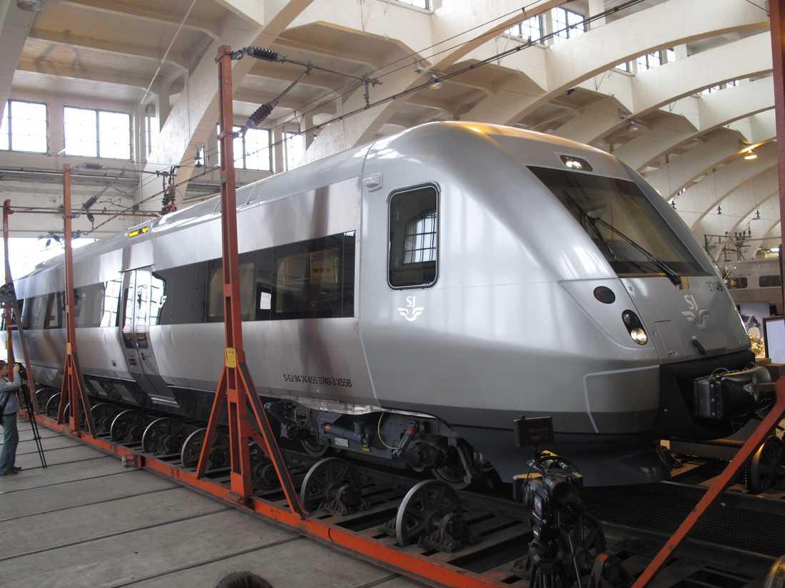 SJ3000 uppställd i SJ:s vagnhall i Hagalund.