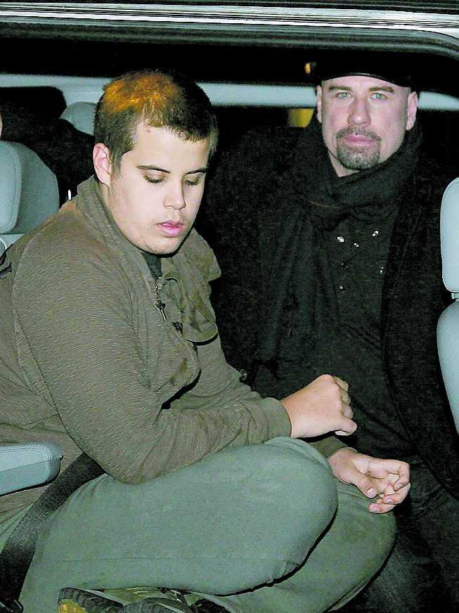 John Travoltas 16-årige son Jett dog efter ett mystiskt slaganfall i förrgår. John gav själv första hjälpen i väntan på ambulansen.