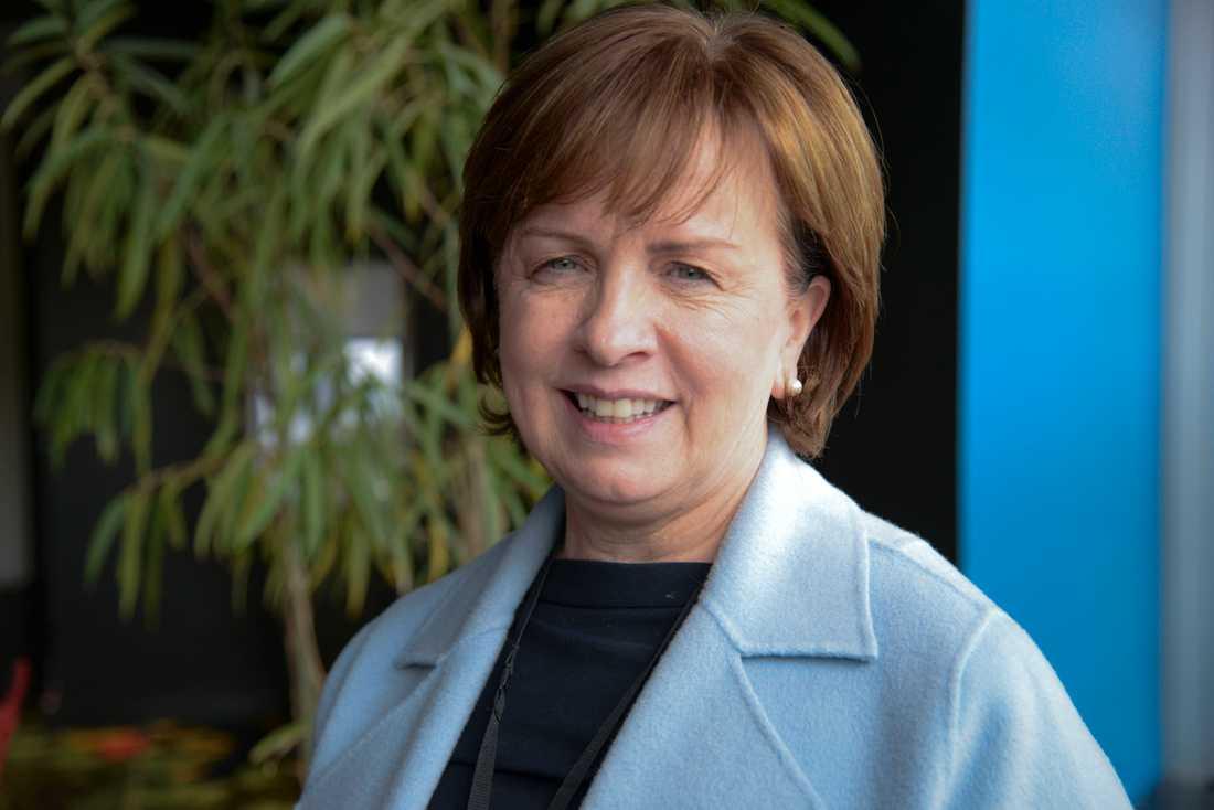 Diane Dodds från Nordirländska Democratic Unionist Party kände inte att hon och hennes parti passade in någon av grupperna.