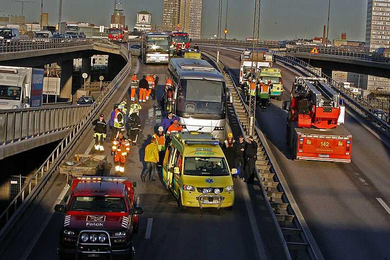 Olyckan orsakade stopp på Johanneshovsbron i Stockholm.
