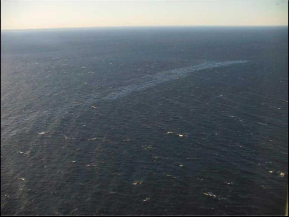 Oljeläckage från det förlista fartyget Finnbirch utanför Öland. Arkivbild.