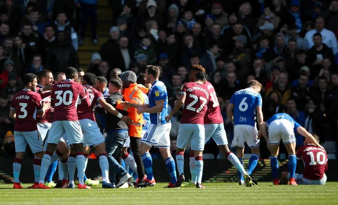 Under skandalscenerna mellan Aston Villa och Birmingham då Jack Grealish blev attackerade av en supporter.