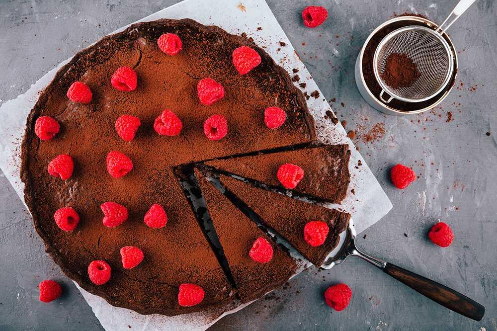 Kladdkaka – med kakao och hallon
