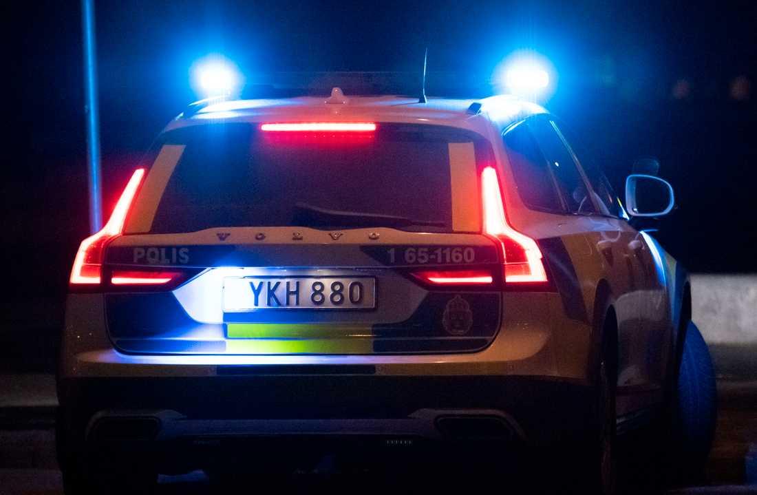 Mannen hittades skadad på Södermalm och två personer har gripits, misstänkta för grov misshandel. Arkivbild.