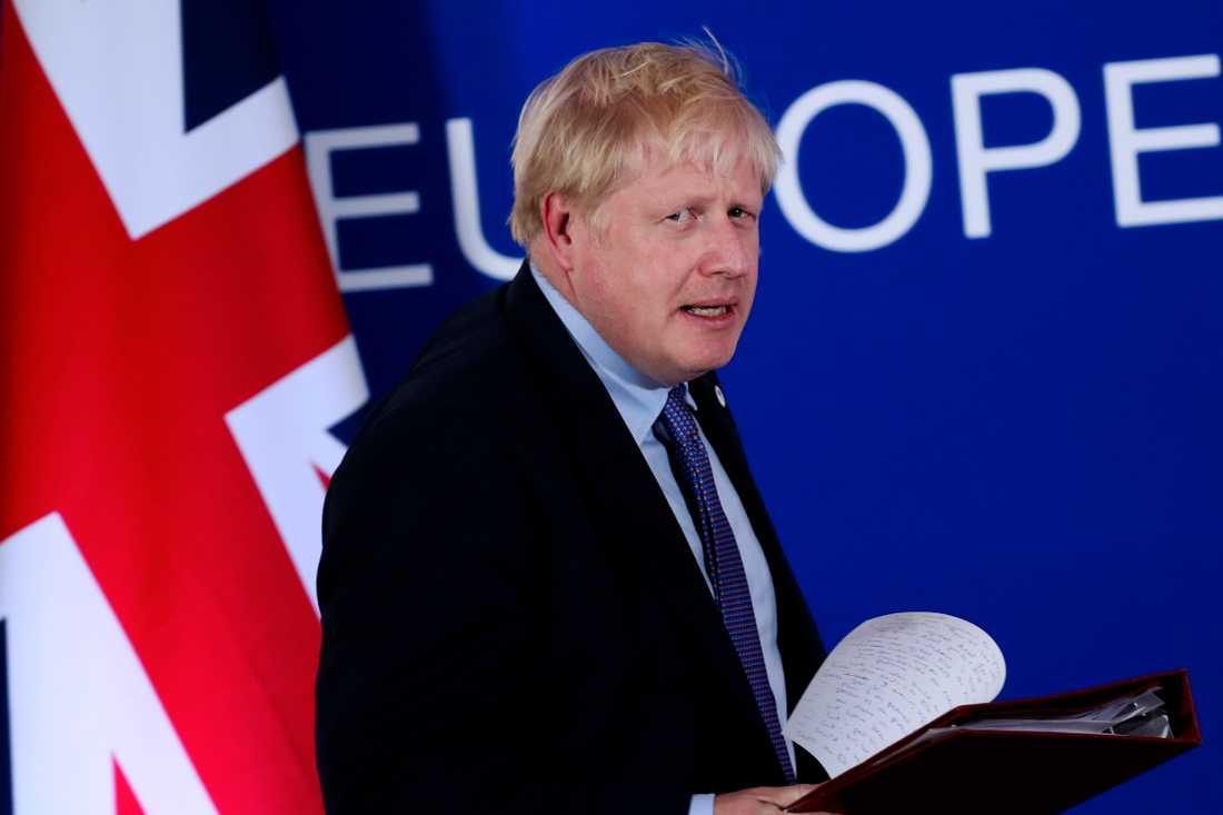 Storbritanniens premiärminister Boris Johnson inför en presskonferens i Bryssel i torsdags där han meddelade att han nått ett nytt brexitavtal med EU.