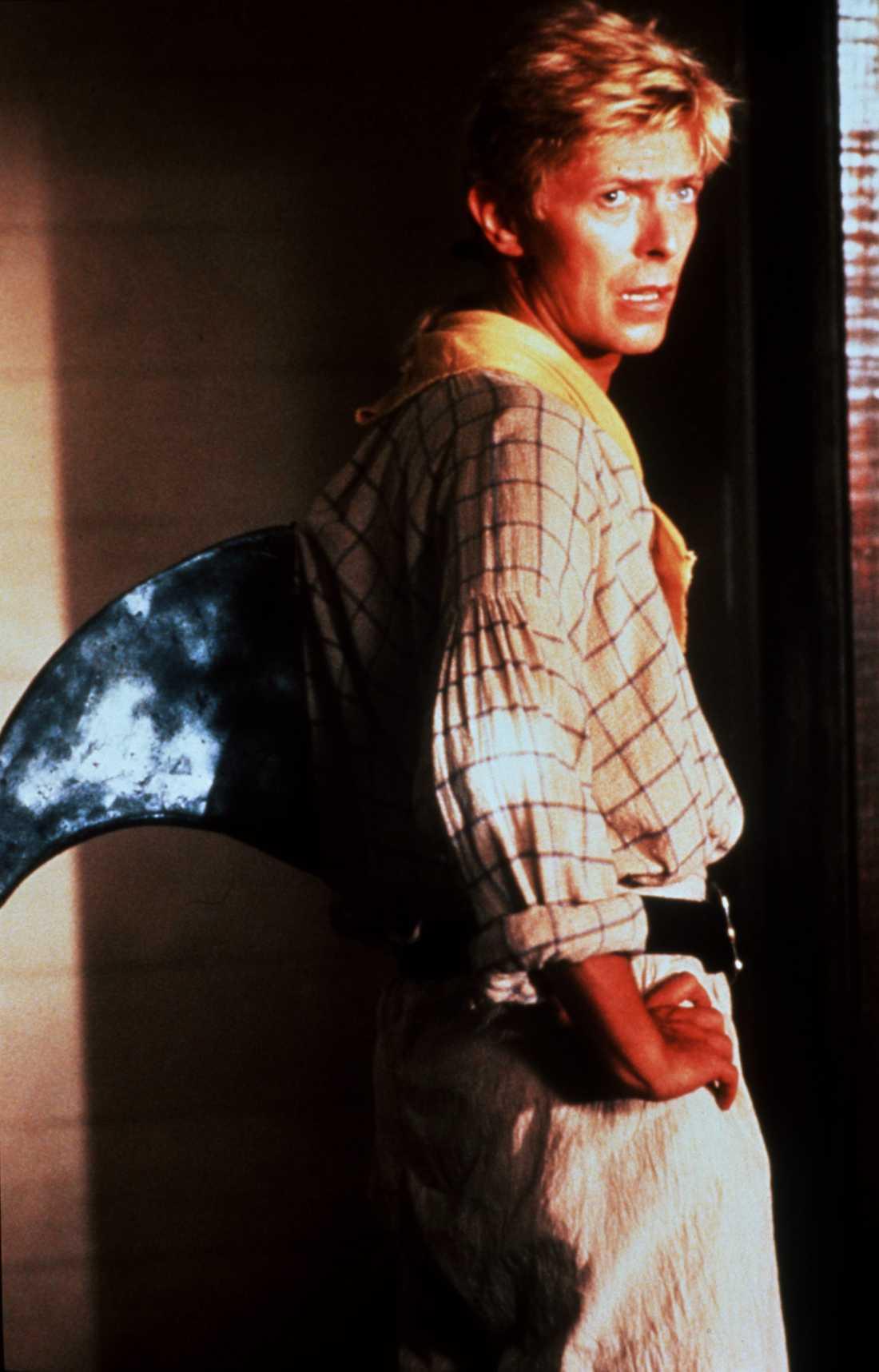 """I """"Kapten gulskägg – havets fasa"""" 1983, gjorde Bowie en cameo som haj."""