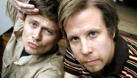 """""""Han är snål, girig och hostar roligt."""" Fredrik & Filip, mars 2002, om Robert Gustafsson."""