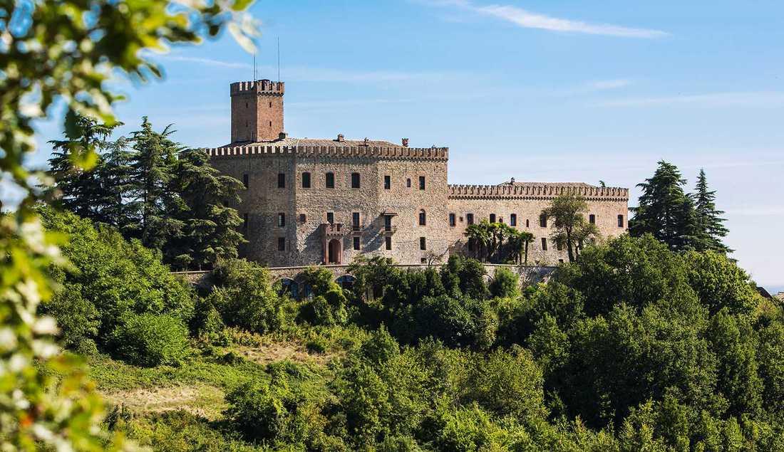 Medeltidsslottet Tabiano utanför Parma.