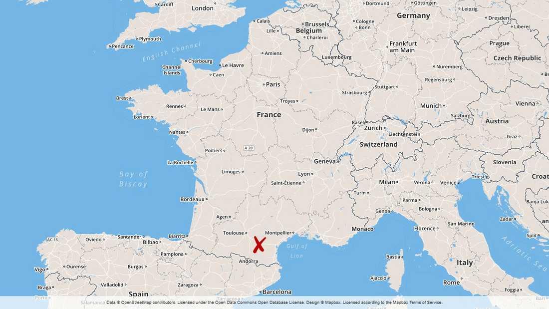 Höga halter av arsenik har hittats hos barn nära en nedlagd gruva i södra Frankrike.