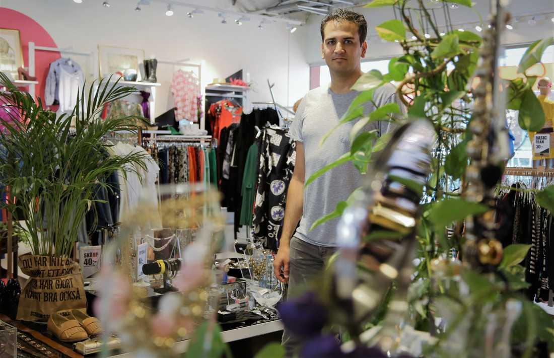 Alireza Mobasheri, på Skåne Stadsmission, säger att butikerna haft ett ökat inflöde av skänkta varor på omkring 10–15 procent under coronakrisen.