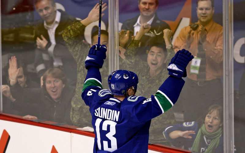 MÅLSKYTT Mats Sundin och Vancouver-fansen fick jubla igen.