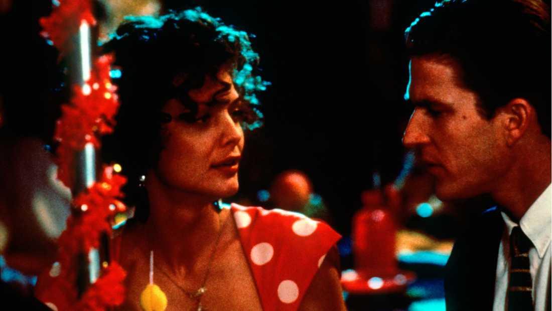 "Michelle Pfeiffer och Matthew Modine i ""Gift med maffian""."