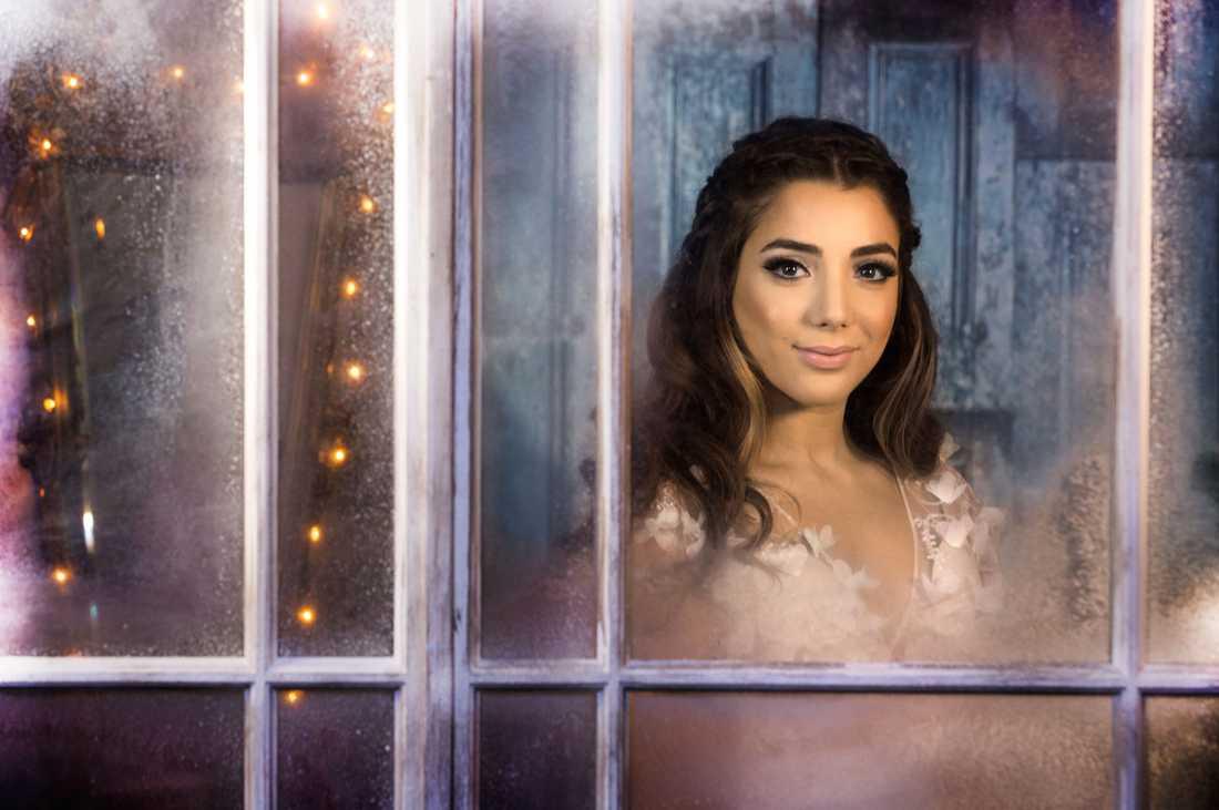 Gina Dirawi är årets julvärd i SVT