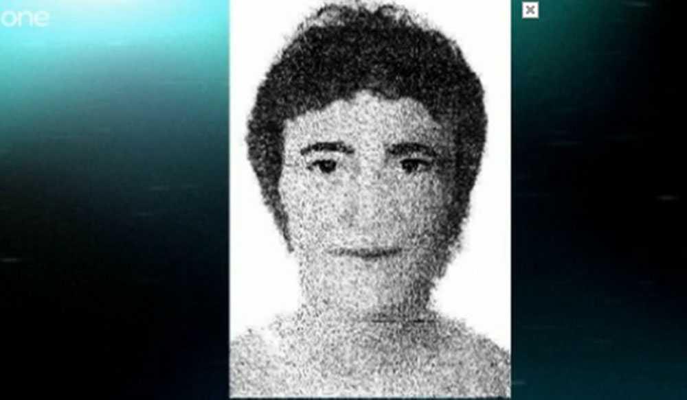 Mannen sågs klockan 16 i närheten av restaurangen där paret McCann åt den 3 maj, natten då Madeleine försvann. Han ska vara i 25-30-årsåldern och talat engelska.