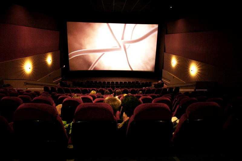ny kollektion enormt lager bästa värde Zandra Lundberg: Folk som inte kan gå på bio är patetiska ...