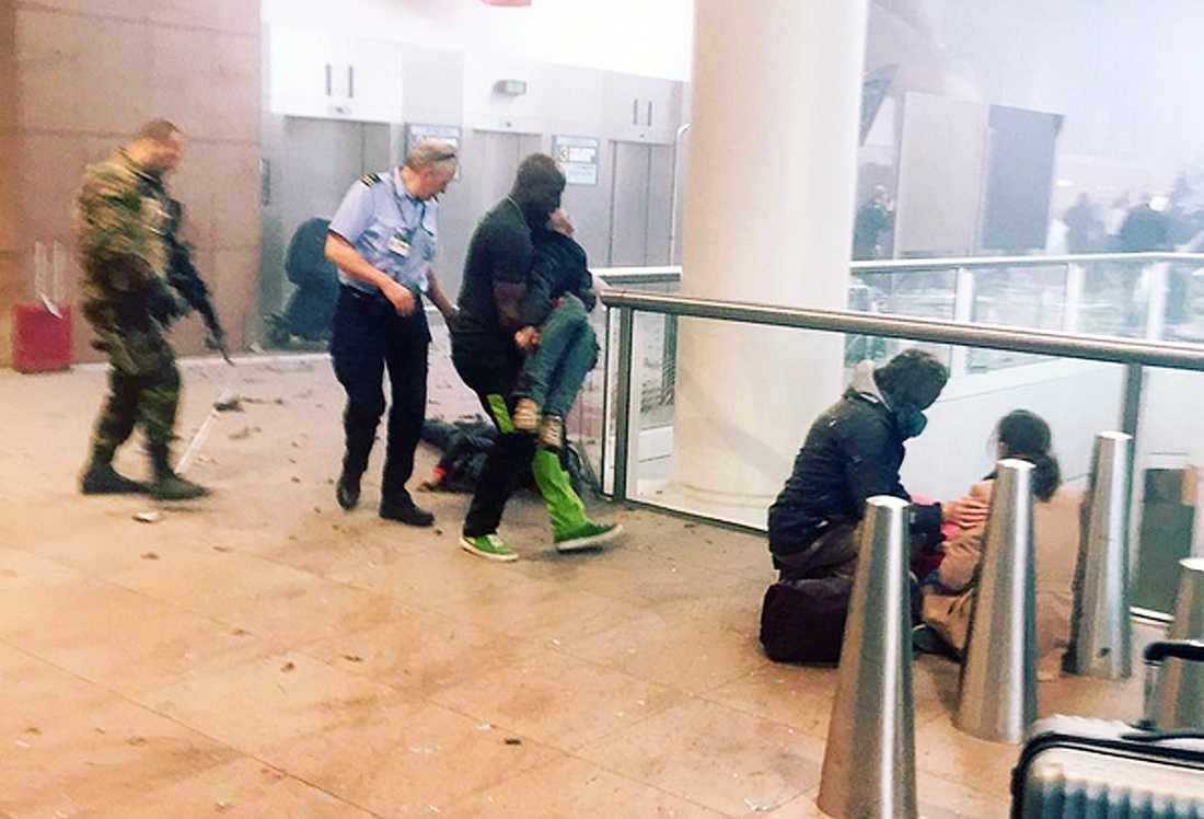 Terrorattack mot  Zaventemflygplatsen i Bryssel.