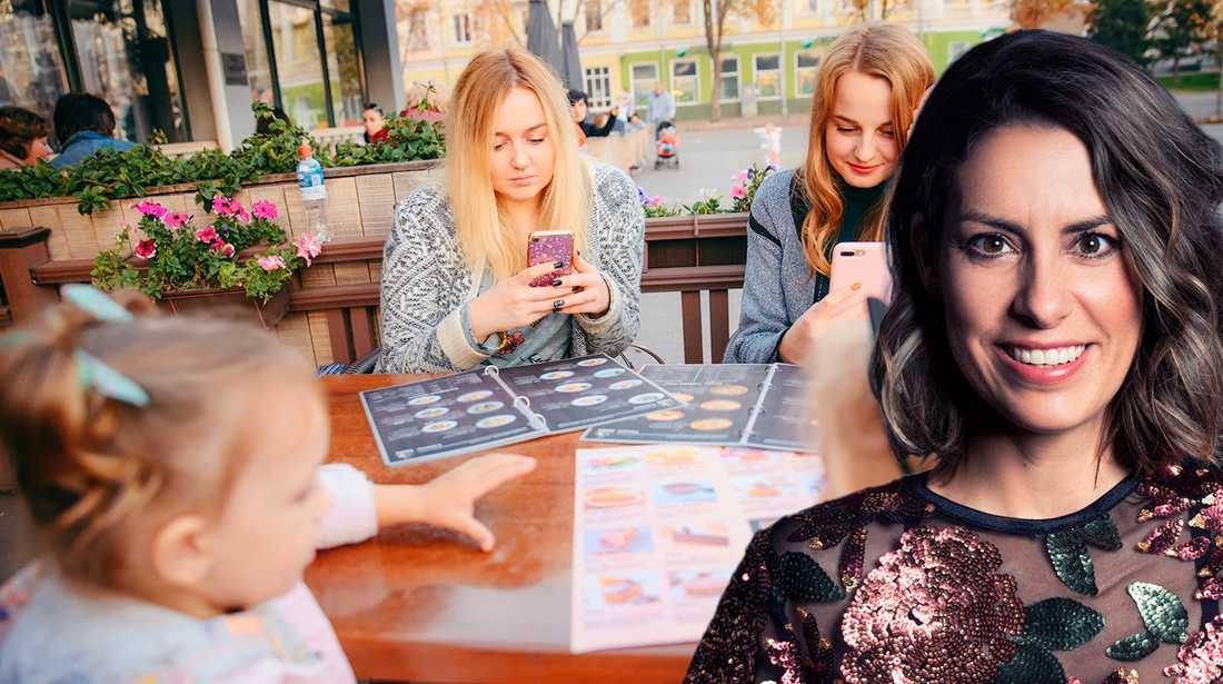 Nina skriver om föräldrar som uppfostrar en generation mobilmonster.