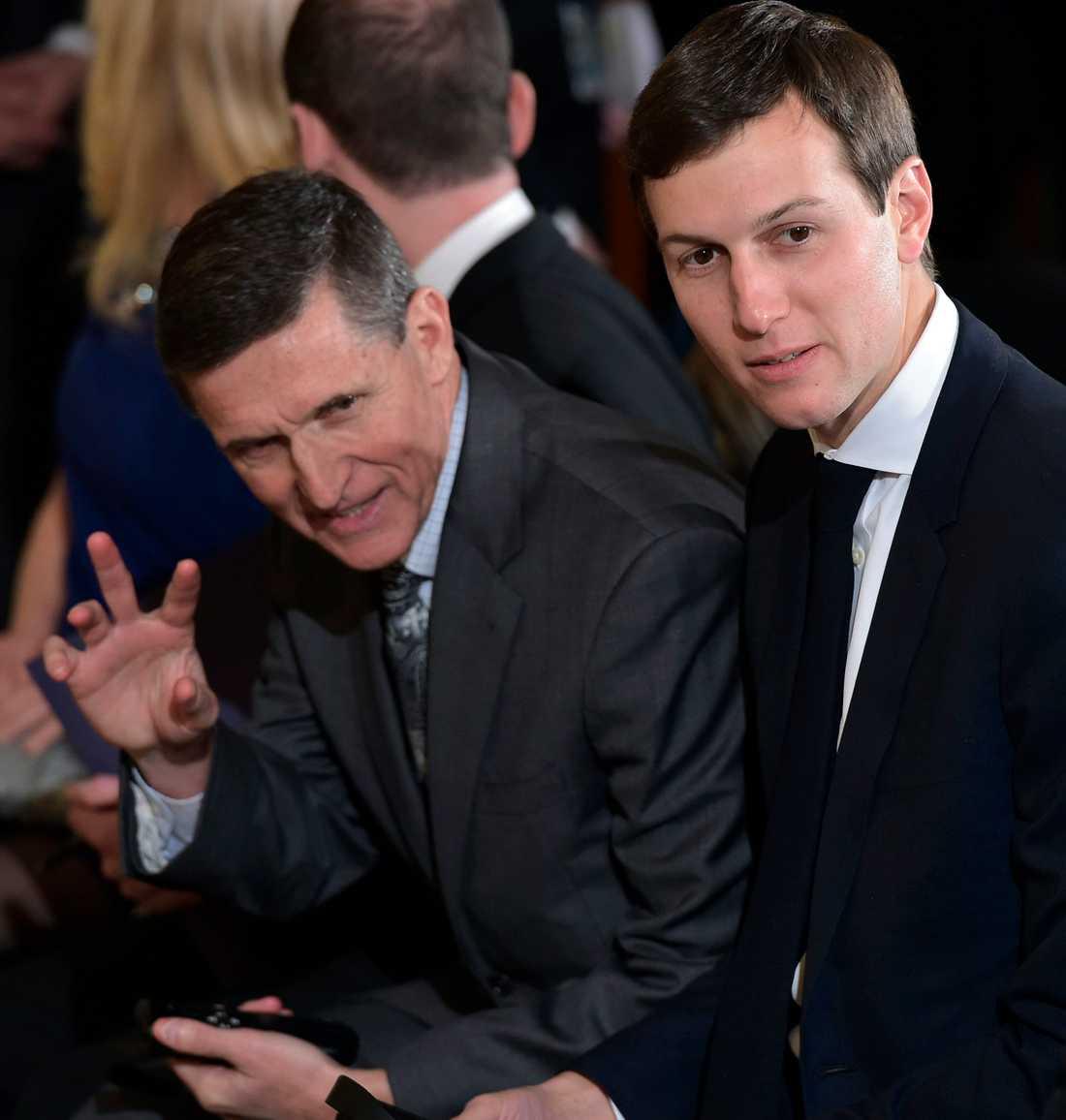 Michael Flynn och Jared Kushner vid en presskonferens tidigare i år.