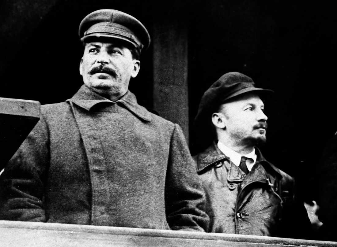 Diktatorn Josef Stalin var ledare över Sovjetunionen 1924–1953. Här tillsammans med politikern Nikolaj Bucharin på en bild från 1930.