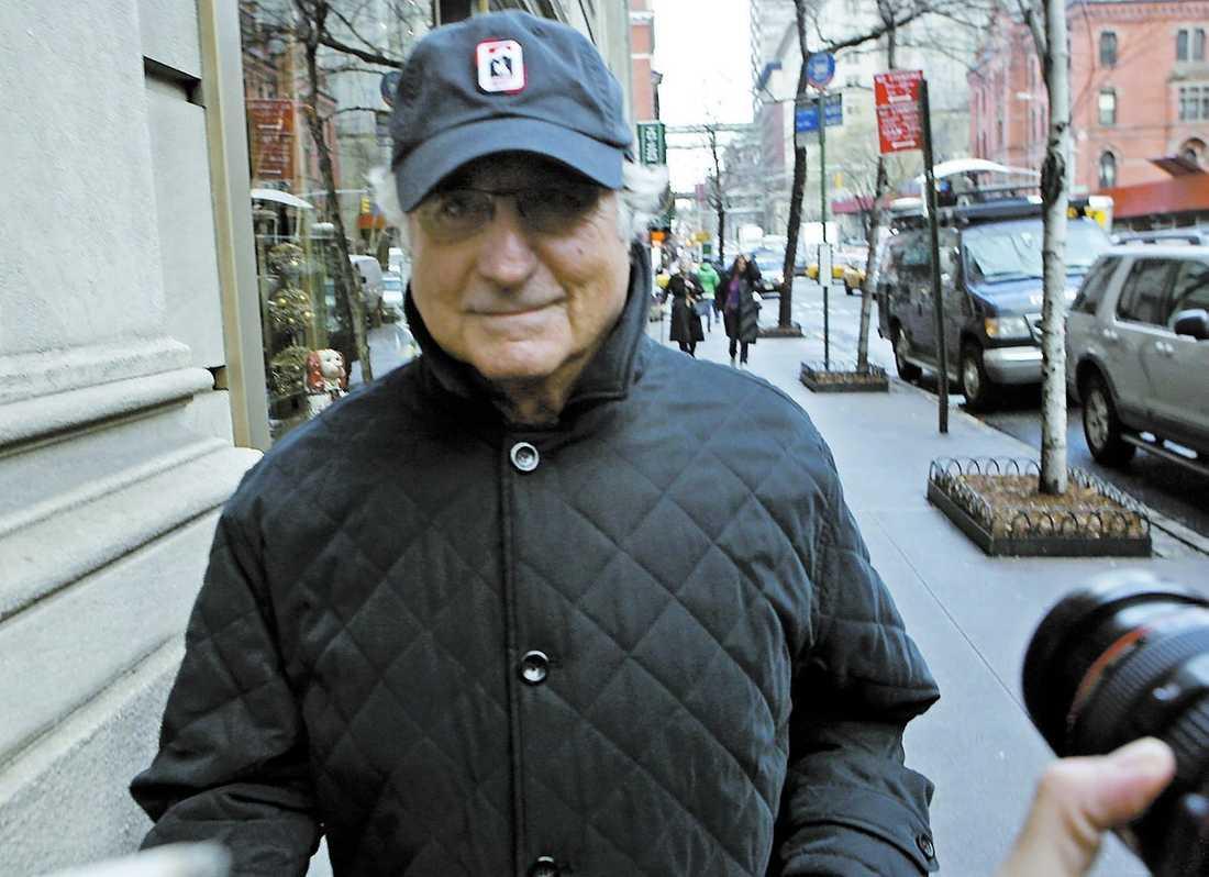 kan få livstid Finanskrisen knäckte Madoffs pyramidspel. Nu hotas 70-åringen av livstids fängelse.