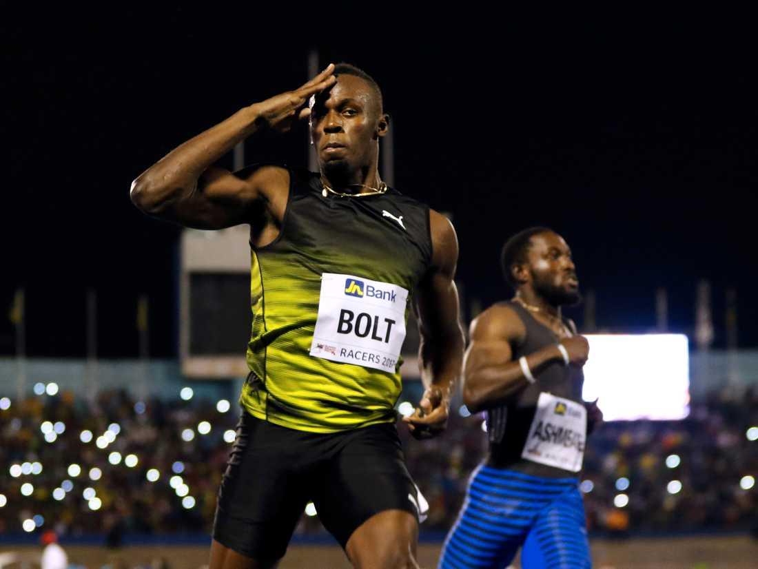 Usain Bolt vann 100-metersfinalen på 10.03 i Racers Grand Prix under säsongspremiären i Kingston, Jamaica.
